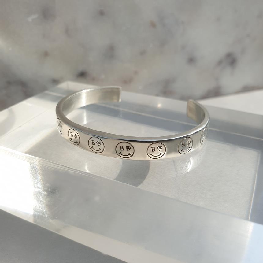 봉보(BONBEAU) Smile line-up Bracelet 스마일 라인업 실버 뱅글팔찌