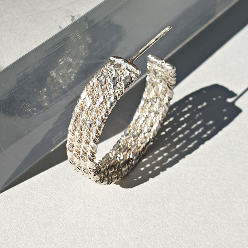봉보(BONBEAU) 볼드 트위스트 꼬임 심플 데일리 귀걸이 Layered twist bold hoop Earrings