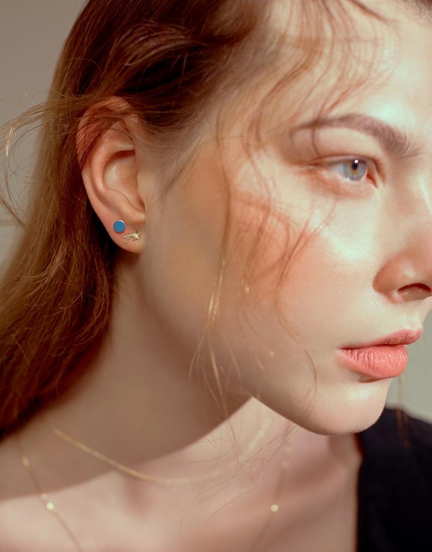 봉보(BONBEAU) 핑크 블루 14k 침귀걸이Pink Blue simple Earrrings